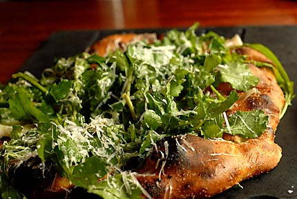 pizza-w-arugula