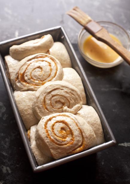 pumpkin swirl bread 07